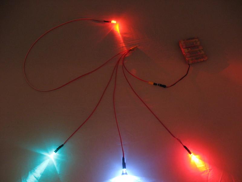 heli led beleuchtung f r einsteiger 1x landescheinwerfer 2x pos licht 1x blinker am heck www. Black Bedroom Furniture Sets. Home Design Ideas