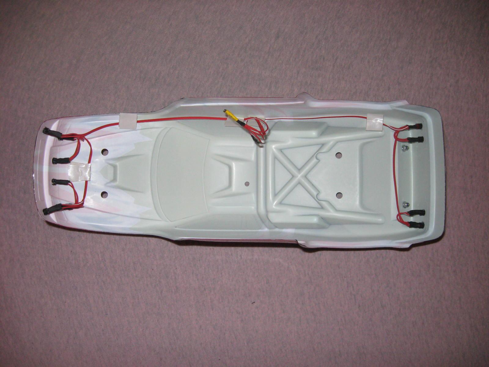 einbauanleitung f r beleuchtungen in auto modelle und rc cars. Black Bedroom Furniture Sets. Home Design Ideas