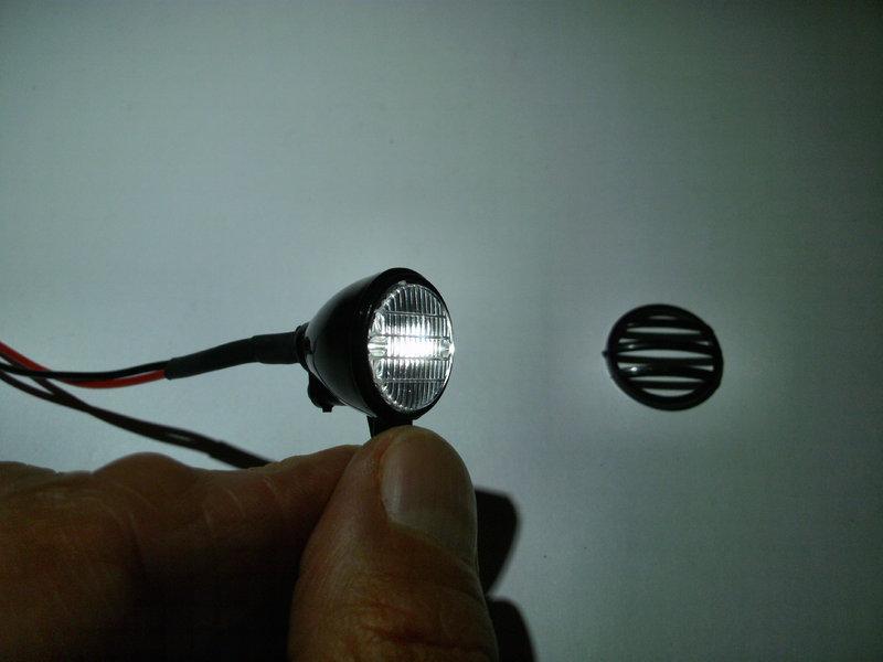 scheinwerfer lampe dachlicht rund d 20 mm mit led u kabel wahlw xenonws warmws rot gr n gelb. Black Bedroom Furniture Sets. Home Design Ideas