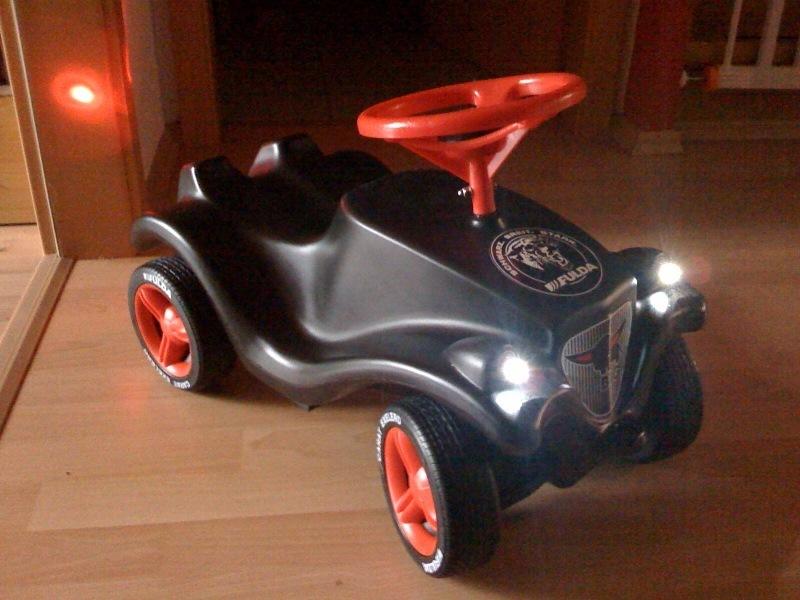 led beleuchtung f r kinder autos rutscher elektro tret komplettset 4x weiss 4x rot 50cm kabel. Black Bedroom Furniture Sets. Home Design Ideas